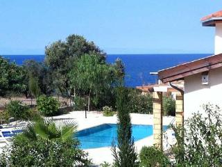 Spacious seaside villa & pool in unspoiled Kayalar, Kyrenia