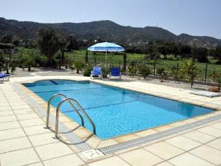 Spacious seaside villa & pool in unspoiled Kayalar