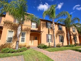 Stunning Home -  Sleeps 9, 4 Bedrooms close to Disney at Stunning Regal Palms!