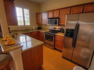 Quinn Villas - Modern fully equipped Kitchen! Fridge/Freeze/Icemaker,Cooker,all utensils.