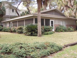 9 Sea Oak 2nd Row Home S Forest Beach Sleeps 9, Hilton Head