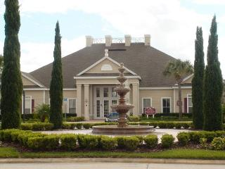 4 Bedrooms Townhouse at Villas at Seven Dwarfs only 4 miles from Disney! - SB