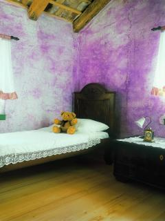 bedroom (second bed)