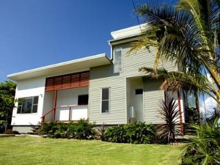 Sunset Waters - Luxury WATERFRONT holiday home