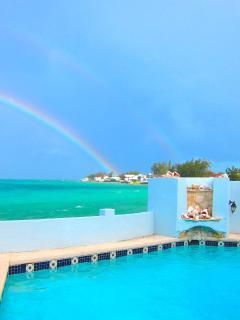 TOTAL PRIVACY, LUXURY OCEANFRONT VILLA & POOL (www.bahamasrentalwatersedge)