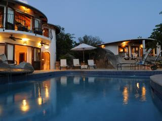 On the Rocks Villa-stay 7 pay 5 summer / Fall Season- Official Site
