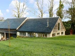 BARN COTTAGE, pet friendly, character holiday cottage, with a garden in