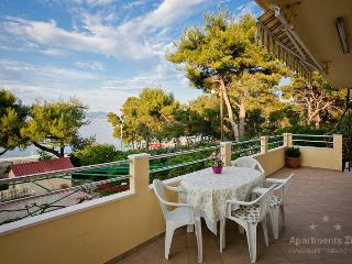 Apartment, view on sea, only 50 m from beach (A4), Slatine