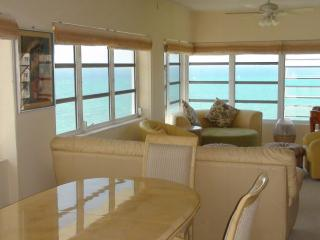 Lucaya Riviera  Towers 2 Bedroom Panhouse on Beach, Freeport