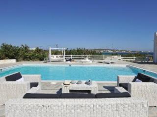 4 bedroom luxury Santa Maria beach villa