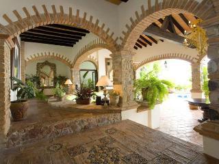 Casa Guacamole, charming,dramatic 4 bedroom villa, Puerto Vallarta