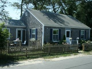 10 Derrymore Road -Cardinal's Inn, Nantucket