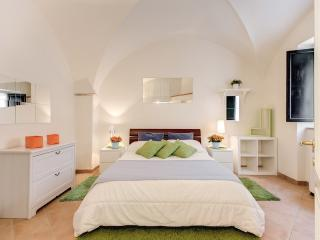 Navona Square Comfortable Apartment, Rome