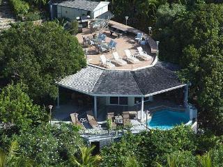 Romantic Beachfront Honeymoon Villa/Very Private !
