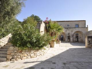 Large Villa with Private Pool in Sicily - Villa Sicilia, Marina di Ragusa