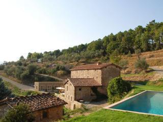 Tuscan Farmhouse with Pool Views Near Lucca  - Casa Maia, Vorno