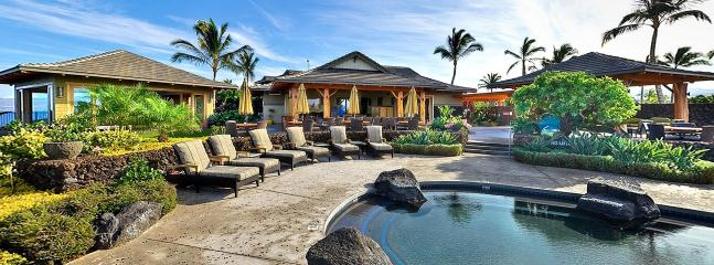 Pool with onsite restaurant & ocean front fitness center