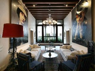 Muazzo Palace  5 STAR Venice  Luxury Sleeps 8