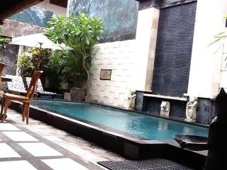 HIDDEN GARDEN VILLA #4 LEGIAN Safe & Secure with u, Legian