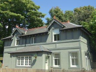 Luxury cottage with Sea Views and Hot Tub!!!!, Aberdour