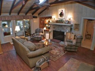 Redwood Rendezvous, Fireplace, Internet Access, Family Home