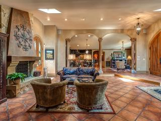 Villa Toscana - Tranquil Retreat on 11 acres