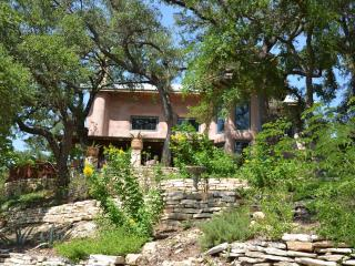 Romantic Straw Bale Home on Lake Travis
