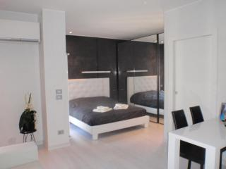 GrattacieloSuite Modernity and Comfort in Verona