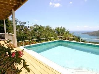 Charming luxury villa/ Super views/ Sleeps 2-8