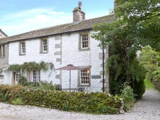 TENNANT COTTAGE, pet friendly, character holiday cottage, with open fire in