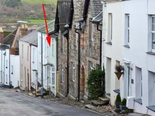 5 BODMIN HILL, pet friendly, character holiday cottage, with a garden in