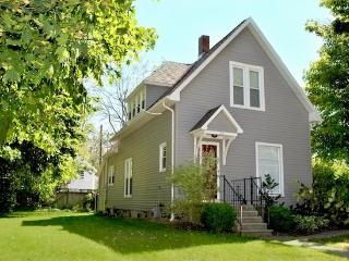 124 Clinton - Close to the beach & downtown, South Haven