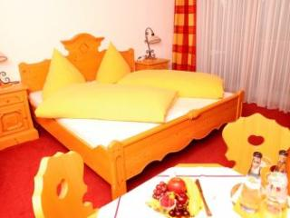 Double Room in Wertach - comfortable, WiFi (# 2399)