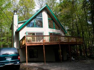SPRING AND SUMMER Weekend - 5 BEDROOM 5 MIN TO THE  LAKE