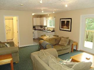 Arbutus Suite - 1 Bedroom Victoria Vacation Rental