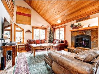 Newly Remodeled in 2012 - Hiking and Cross Country Skiing Steps Away (7015), Breckenridge