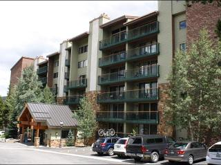 Just 2 Blocks from Historic Main St. - Spacious and Modern Layout (13151), Breckenridge