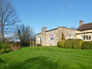 OLD FORD FARM ANNEXE, character holiday cottage, with a garden in Honiton, Ref