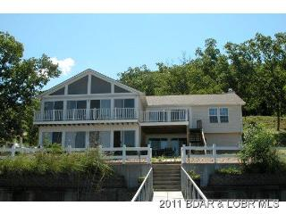 6 Bedroom Lakefront home-17MM Mid Week Special!, Osage Beach