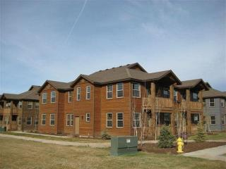 Newer 3 bed 2 bath condo.  Close to Yellowstone.
