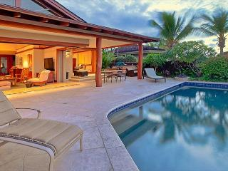 Hualalai 72-143 Pakui - Luxury Custom Home ~ Excellent Location~Private Pool