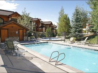 Private and City Shuttle Service - 4 Master Bedrooms, Extra Air Beds Available (8378), Steamboat Springs