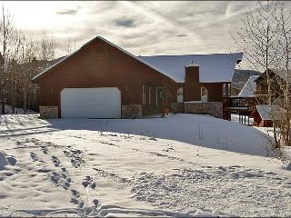 Pet Friendly, Fenced Yard - Comfortable & Spacious (8174), Steamboat Springs