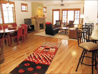 The Heart of Old Town Steamboat - Modern, Loft Style Condo in Ski Town USA (9437), Steamboat Springs