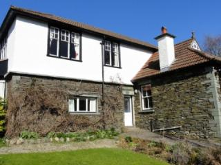 BROOKWOOD COTTAGE, Bowness on Windermere, Bowness-on-Windermere