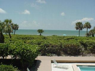 White Sands #13 Gulf front condo on Sanibel Island, Isla de Sanibel