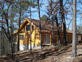 VACATION LOG CABIN RENTAL,TABLE ROCK LAKE CABIN,SECLUDED FOREST, BRANSON, MO.