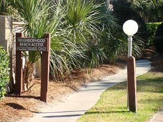 2 bedroom 2 1/2 bath beach oriented condo, Hilton Head