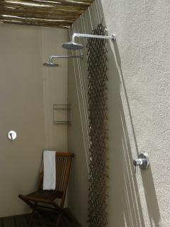 Outside showers bedroom 3