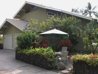 ~Spring Dates Beautiful 4 Bdrm Home, Right In Town, Kailua-Kona